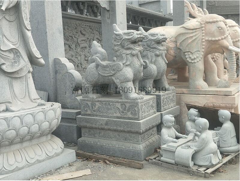 富源石刻向你讲解为什么在大门口摆放石雕大象或者石雕狮子?